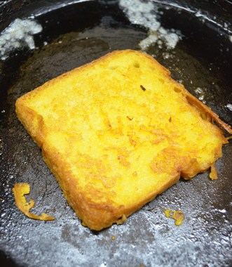 Making eggless french toast recipe