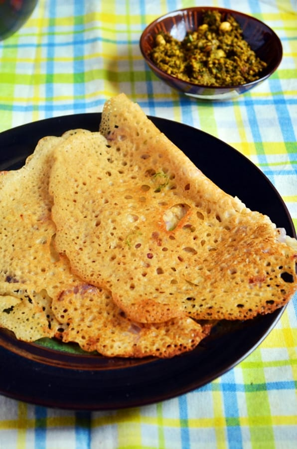 Oats dosa served with chutney