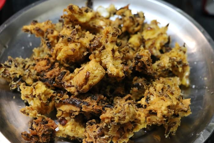 Steps for making cabbage pakoda recipe