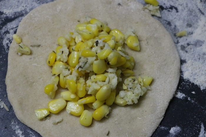 cheese corn paratha step 3