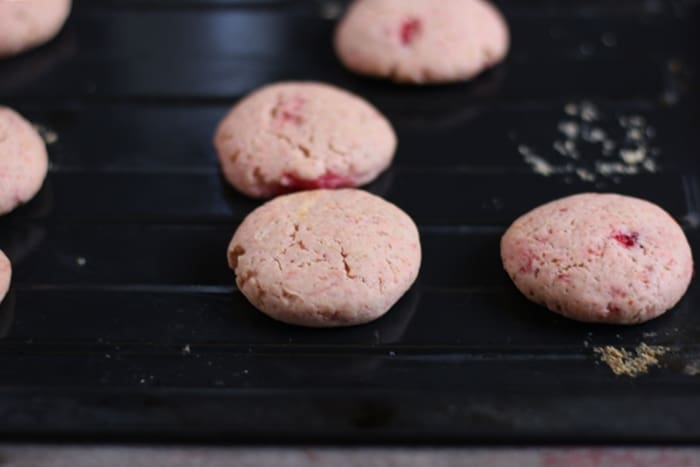 strawberry cookies step 6