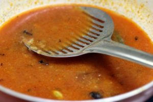 water added to tomato curry base