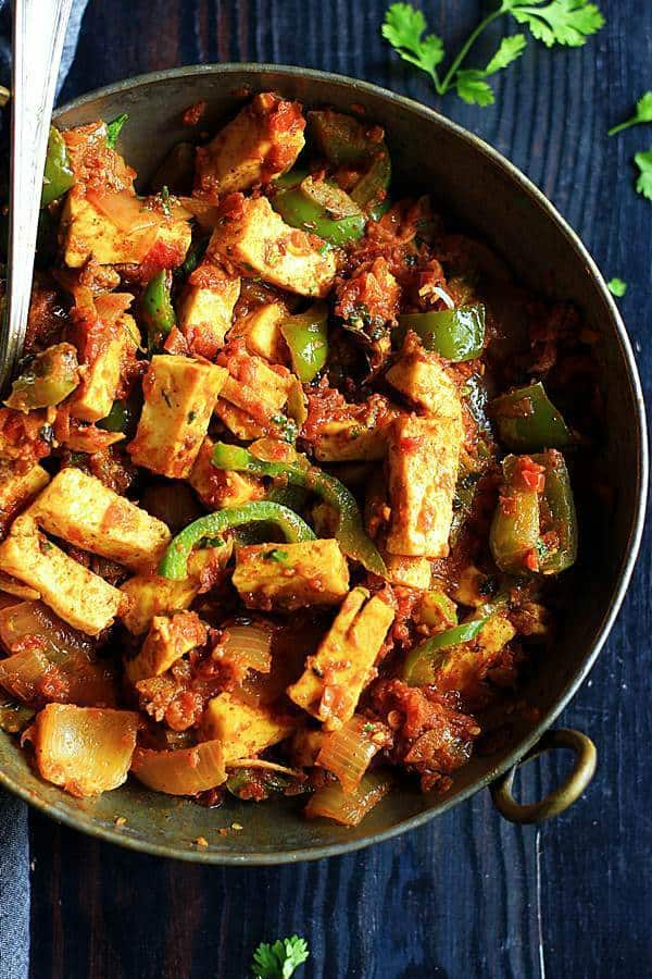 closeup shot of restaurant style kadai paneer