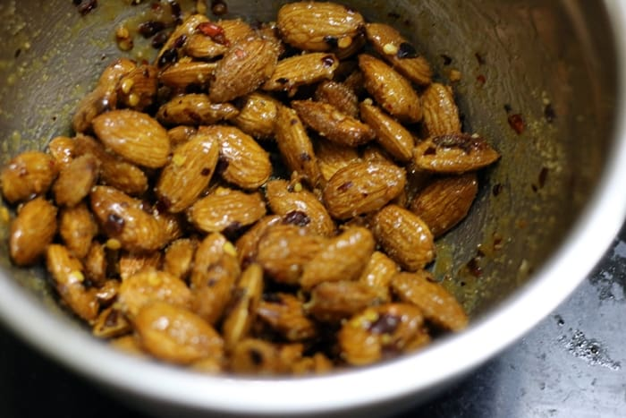 honey chili almonds step 2