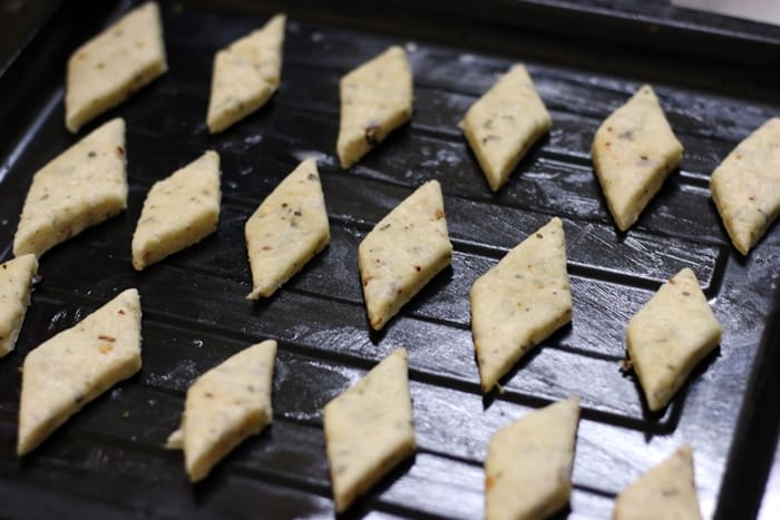 herb and cheese cookies step 7