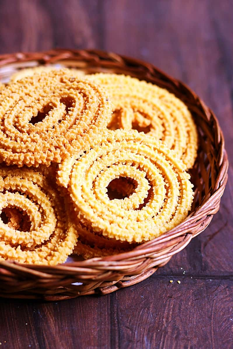 magizhampoo murukku recipe step 2