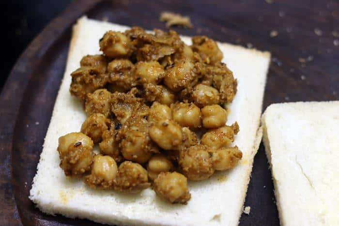 chana-masala-toast-sandwich-recipe-step-2