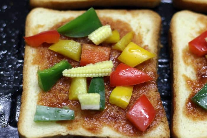 toppings for pizza toast