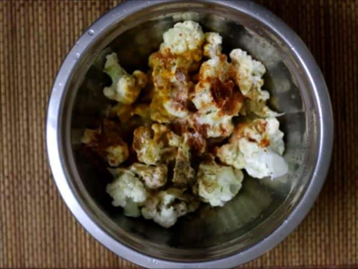 Roasted cauliflower recipe making