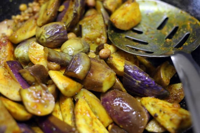 Making brinjal fry recipe