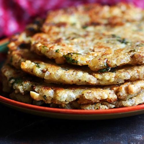 stack of crispy sabudana thalipeeth